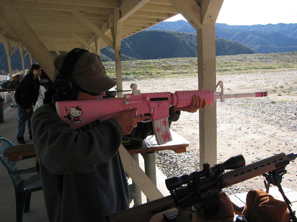 hello-kitty-ar-15-rifle-gun-shooting