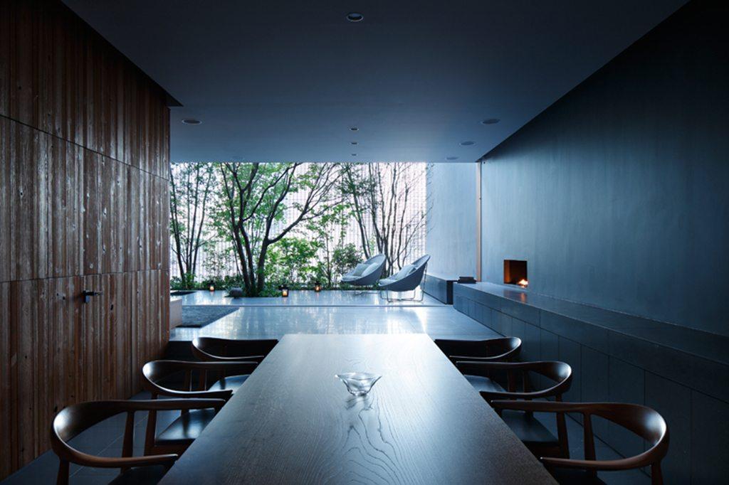La maison de verre par hiroshi nakamura hiroshima dozodomo - Maison de vallee au japon par hiroshi sambuichi ...