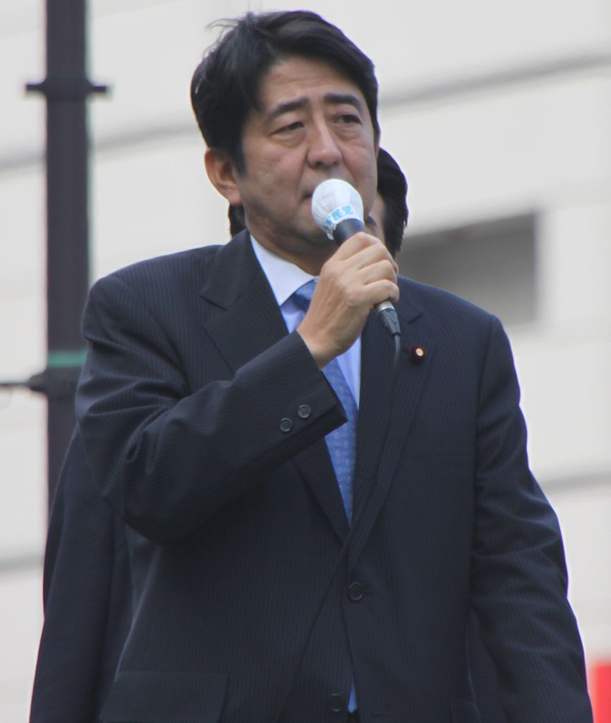 AbeShinzoYasukuni3