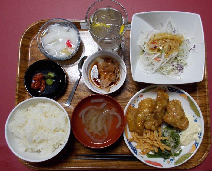 University-cafeteria-nittai-4
