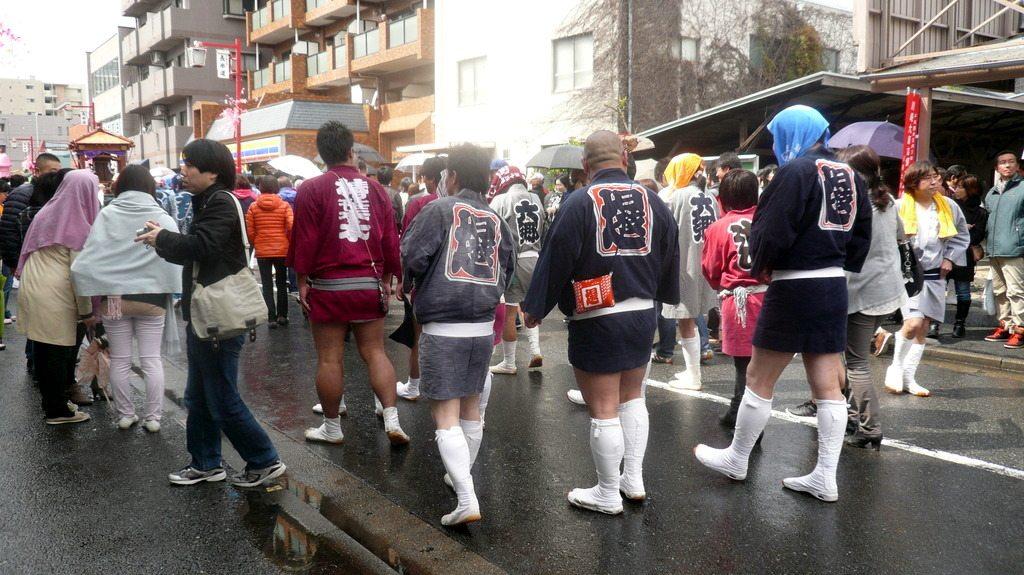 Tenues traditionelles de porteurs de mikoshi
