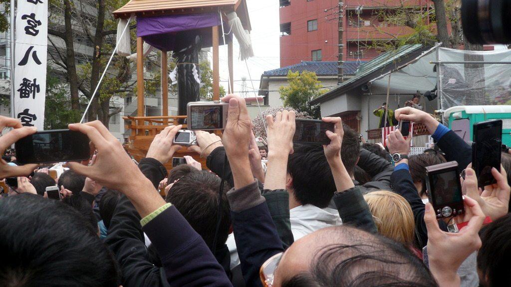 Retour au premier temple, et retour des trois mikoshi en fanfare