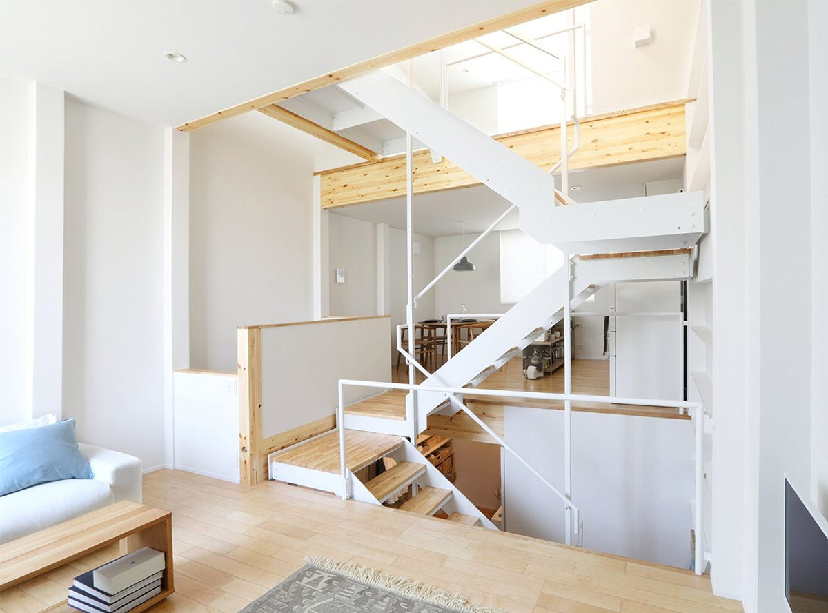 Design your own home with muji s prefab vertical house 4 for Design your own prefab home