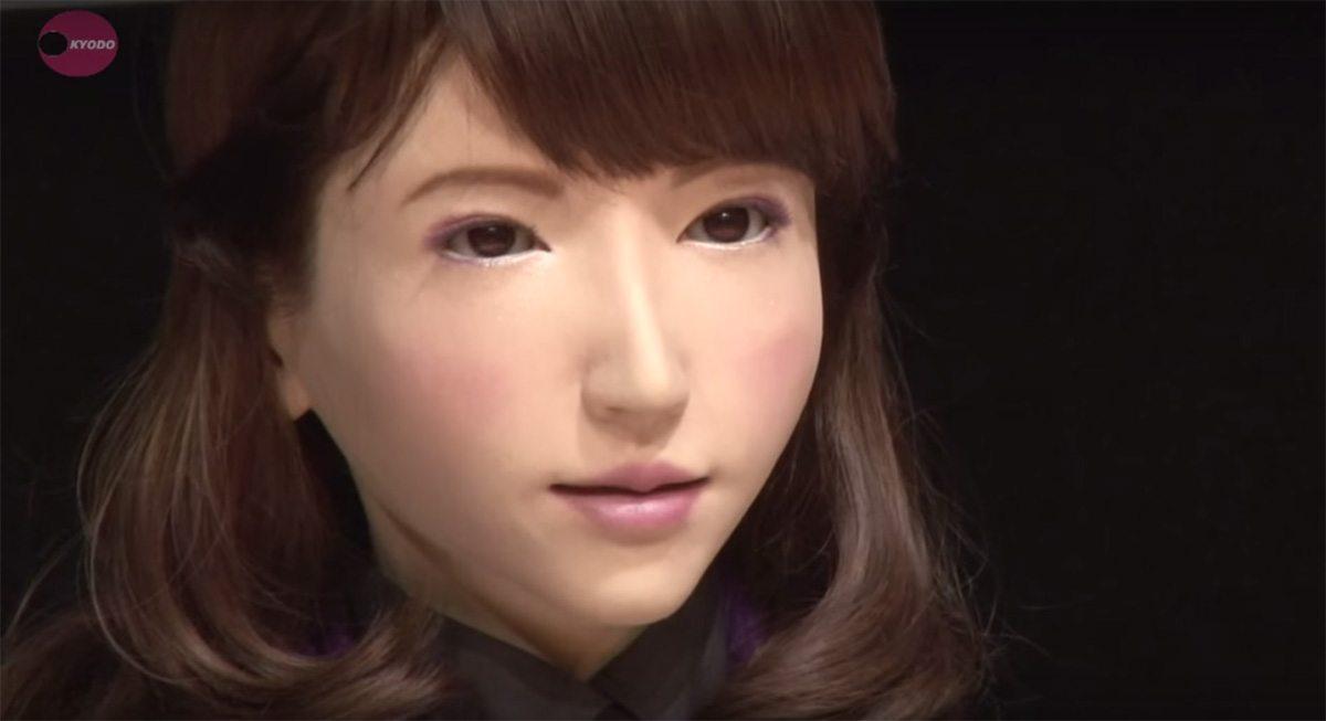 Faites la connaissance d 39 erika le robot qui a une sacr e for Erika plus robot de cocina