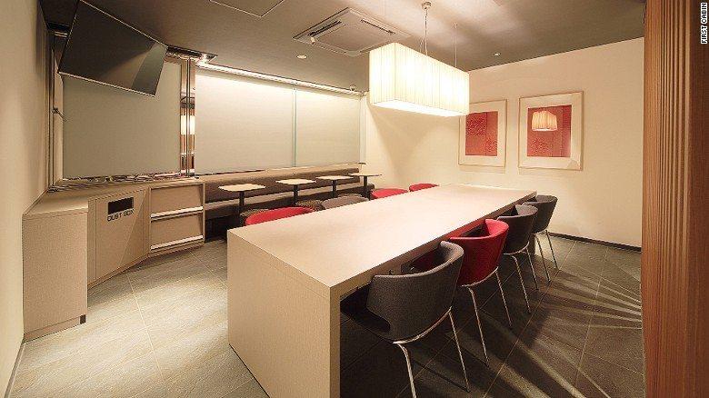 First cabin capsule hotel tsukiji tokyo_7