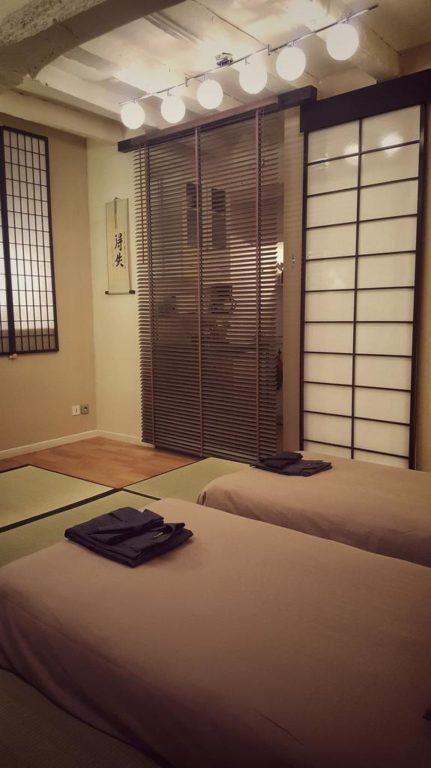 une jeune nantaise transforme son appartement en auberge japonaise dozodomo. Black Bedroom Furniture Sets. Home Design Ideas