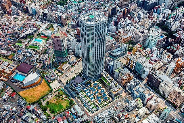 un quartier entier construit sur le toit d u0026 39 un immeuble  u00e0 tokyo